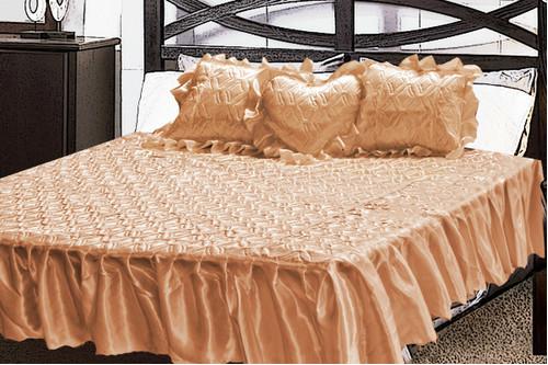 Комплект атласный 217, 100% полиэстер, покрывало с рюшами + подушки