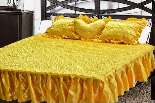 Комплект атласный 219, 100% полиэстер, покрывало с рюшами + подушки