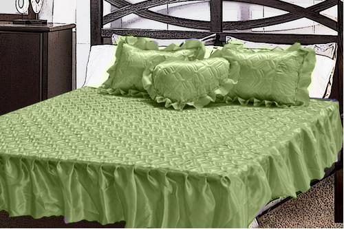 Комплект атласный 230, 100% полиэстер, покрывало с рюшами + подушки